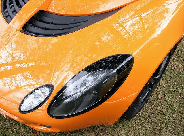 sports-car-detail-1188972-639x471